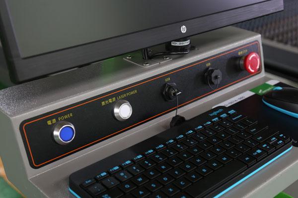 得马广告雕刻机使用的电脑